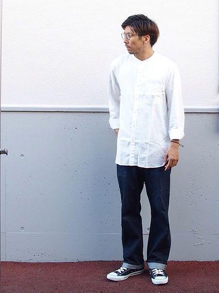 もちろん、ストレートのジーンズですとんと合わせてもOK