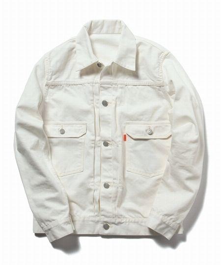 タイプ4:スタイリッシュなホワイトデニムジャケット