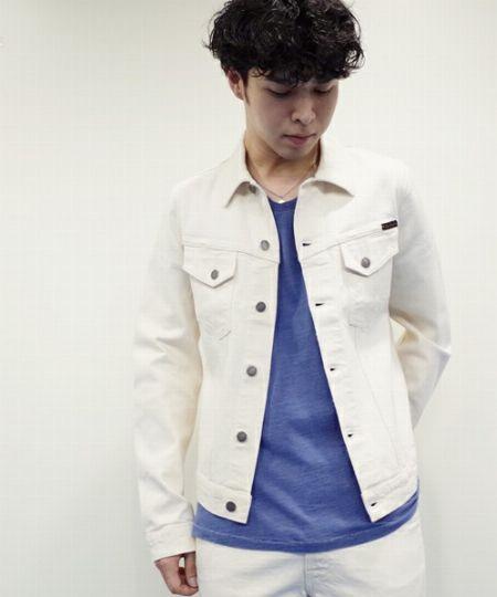 ▼ホワイトデニムジャケットの着こなしのコツ