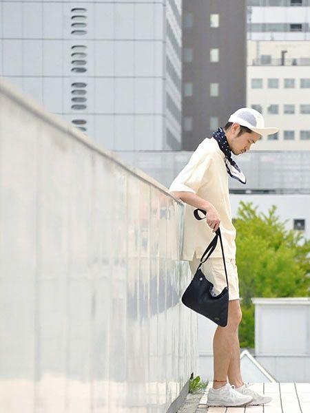 散歩や買い物×サコッシュ