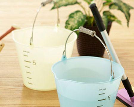 乾燥させすぎたときや水やり忘れの際の応急処置。水に浸ける「ソーキング」