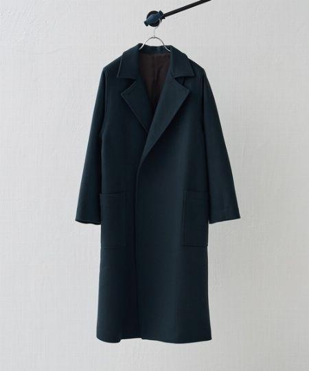 大人の着こなしと好相性のチェスターコート。選ぶポイントはこの3点