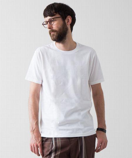 (K)【おまけ】白Tシャツ:とにかく万能! こちらもチェスターコートとマッチするアイテム