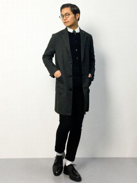 (D)+ (F):寒い日はインナーで重ね着が基本。チェスターコートのレイヤードスタイル