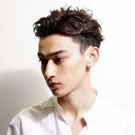 髪をダメージから守り補修する