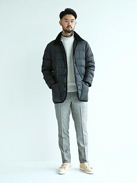 「ウェーバリー」によるカジュアルな着こなしは、色のメリハリで大人っぽさを