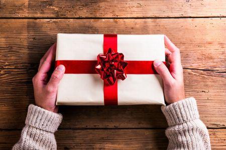 女性や子供に贈って、自分はもらえない。男だってクリスマスプレゼントが欲しい!!