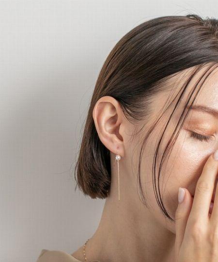 『パティエラ』ブリラ K18WGダイヤモンドモチーフピアス(片耳用)/8,800円(税込)