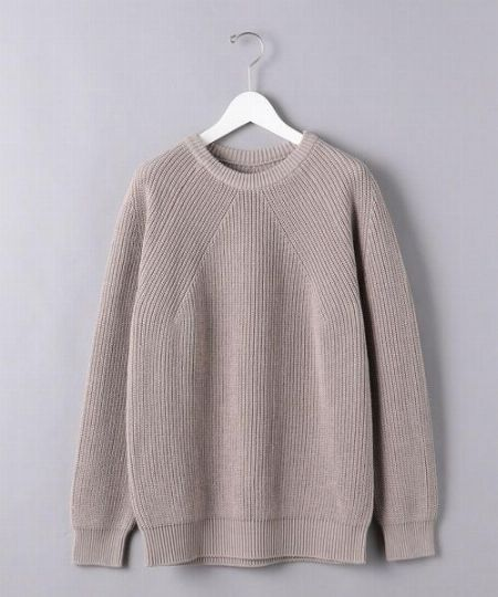 『バトナー』のニットの代表格。畔編みのクルーネックニットが魅力的すぎる