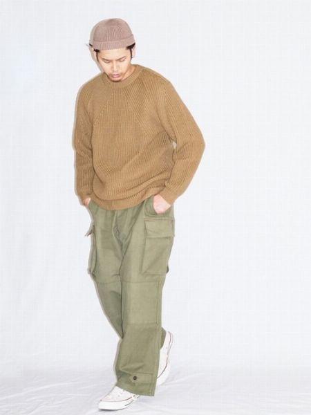 『バトナー』のニットの代表格。畔編みのクルーネックニットが魅力的すぎる 2枚目の画像