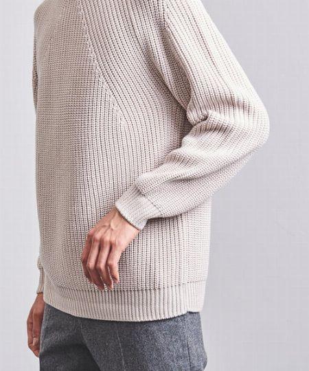 『バトナー』のニットの代表格。畔編みのクルーネックニットが魅力的すぎる 3枚目の画像