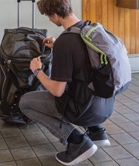 旅行時にメインバッグと合わせて欠かせないサブバッグ