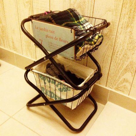 アイアンカゴとパイプ椅子を組み合わせたラック