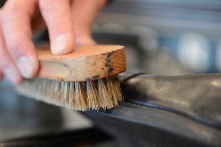 プロが伝授。革靴磨きの正しいステップとコツ 3枚目の画像