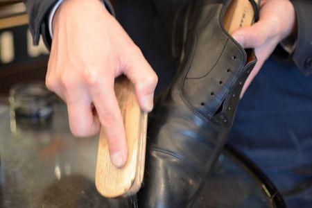 プロが伝授。革靴磨きの正しいステップとコツ 8枚目の画像