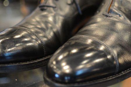 プロが伝授。革靴磨きの正しいステップとコツ 13枚目の画像