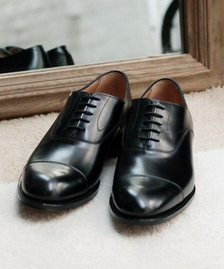 大人のマストバイ。選ぶ基準からおすすめの革靴ブランドまで一挙公開