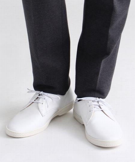 千差万別。それでも大人が白スニーカーを買うなら、ここにこだわって