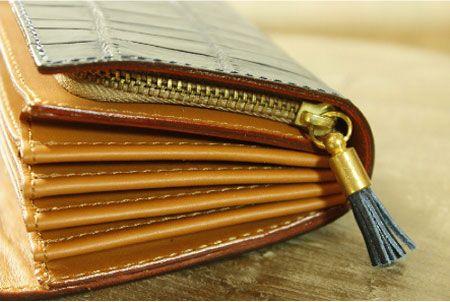 """まず検討したい。『フェリージ』の財布の代表格""""コロコロ""""とは 3枚目の画像"""