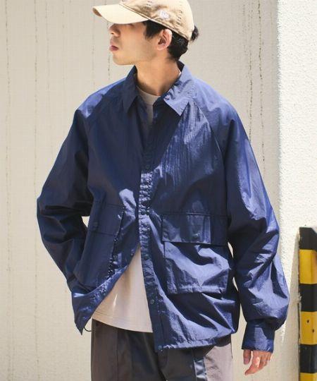 季節の変わり目に重宝する、シャツジャケットとは?