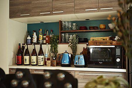 お酒を眺められるディスプレイ棚