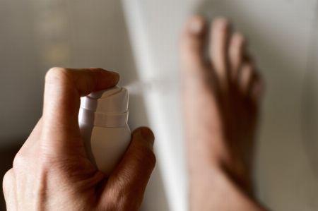洗っても足のニオイが消えない場合…… 2枚目の画像
