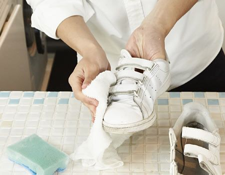 4.水拭きをして洗剤を完全に拭き取る