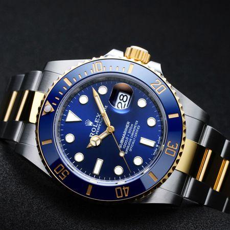 いつかは手に入れたいステータスの証し、高級腕時計