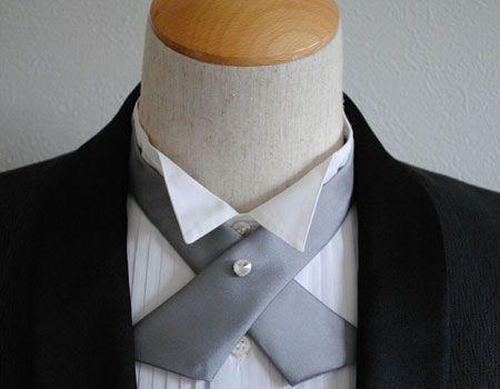 程良く肩の力の抜けた略礼装を楽しむならクロスタイ