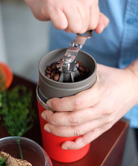 コーヒー豆をひく男性って、女性的にどうなの?