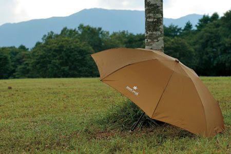 見た目も機能も抜群。理想の傘で、小物も抜かりなく