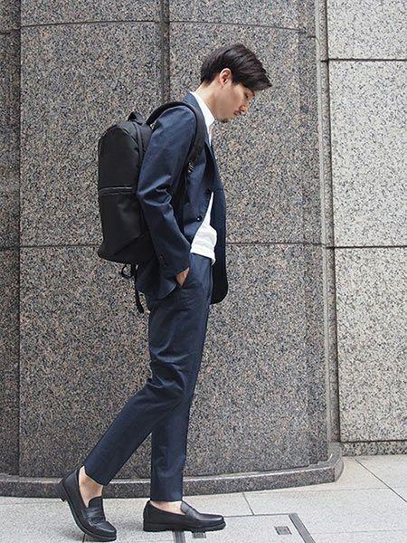 オン・オフ使えるところも魅力的。『エアー』のバッグを取り入れた着こなし好サンプル 3枚目の画像