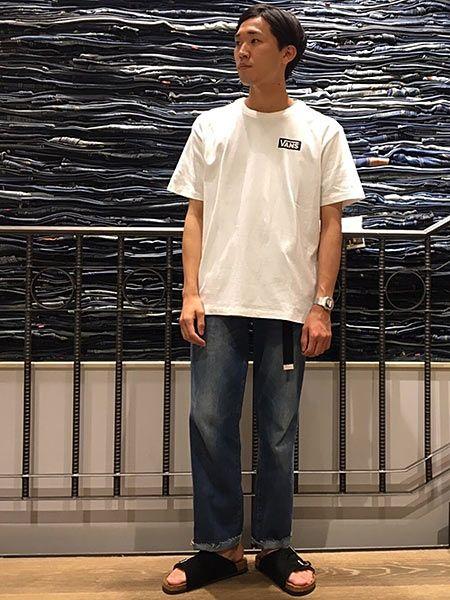 『ヴァンズ』のTシャツ。コーディネートの注意点は?