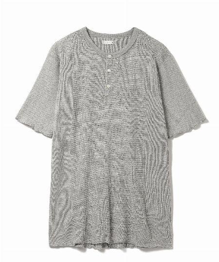 『サイ』×『アーバンリサーチ』ヘンリーネックTシャツ