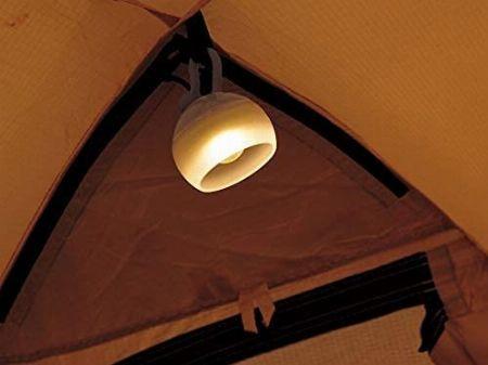テント内を照らす「テント内ランタン」