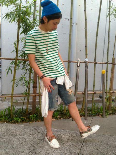 ボーダーTシャツ×ショートパンツ×デッキシューズで作る、王道爽やかコーデ 5枚目の画像