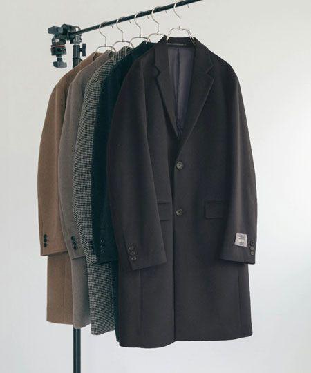 大人らしい装いのチェスターコート。すでにキャメルをゲット済みの方は色違いもアリ