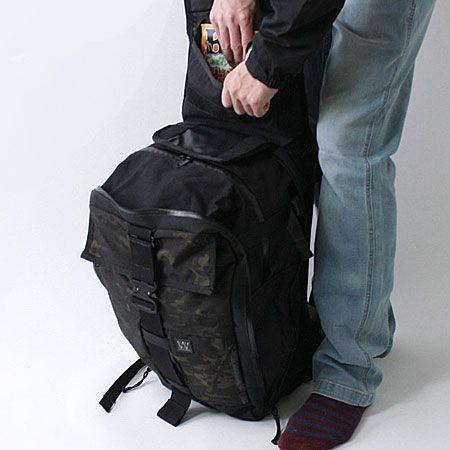 荷物の量で容量が拡張できるエキスパンダブルカーゴパック2種