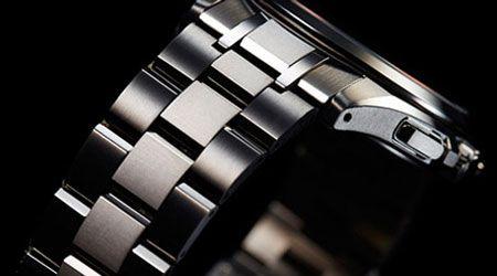 独自の表面加工技術デュラテクトが生み出すスーパーチタニウム(TM)