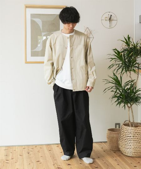 テーラードジャケットに近い品位を備えた大人向きの逸品