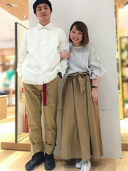 トレンドを意識したシャツ&チノスタイル
