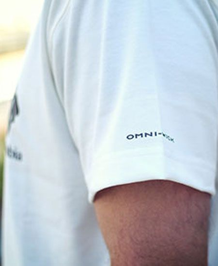 肌に触れれば良さがわかる。『コロンビア』のTシャツは機能素材がウリ