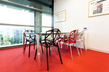 楽天のオフィスは、スタイリッシュかつ社員思いの快適空間 2枚目の画像