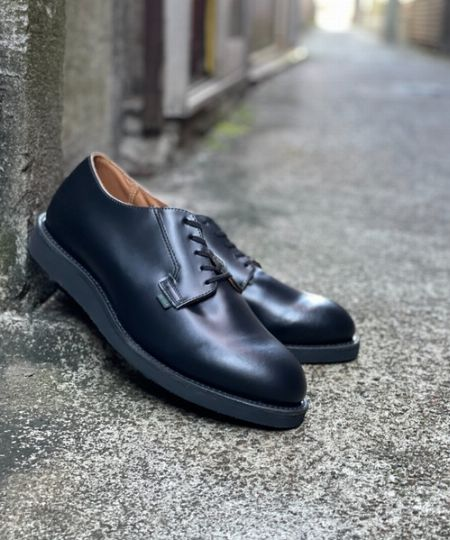 足馴染みの良いワンピース構造のアッパー