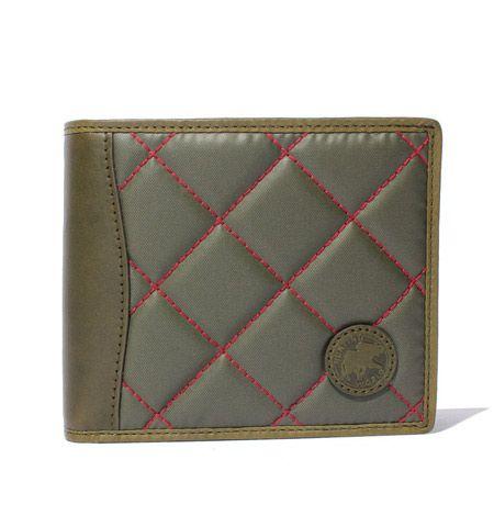 バチュー サーパス キルティング 二つ折り財布