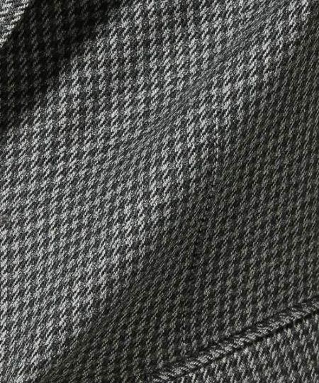 黒×グレーの配色はクールな雰囲気