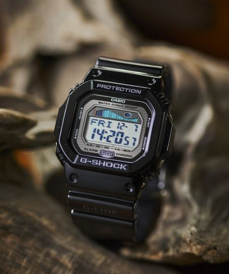 高所から落としても壊れない腕時計を作るという、無謀な挑戦