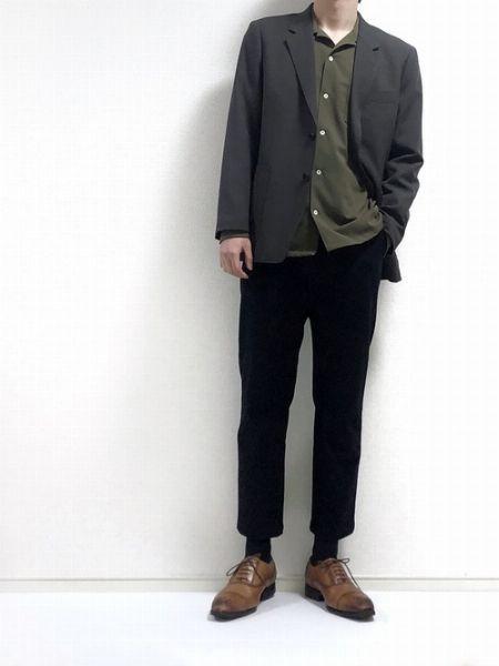 スタイル不問でかなり使える『ユニクロ』のテーラードジャケットはお買い得!