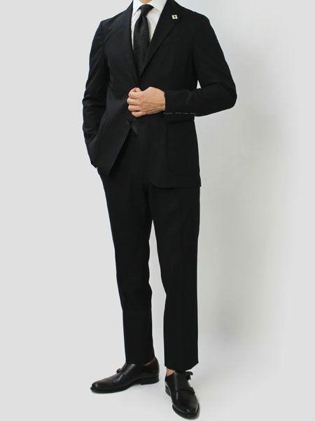 ストレッチ混ブラックスーツ