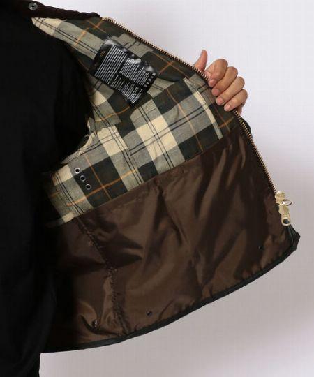 ポケットが充実していて安心の収納力